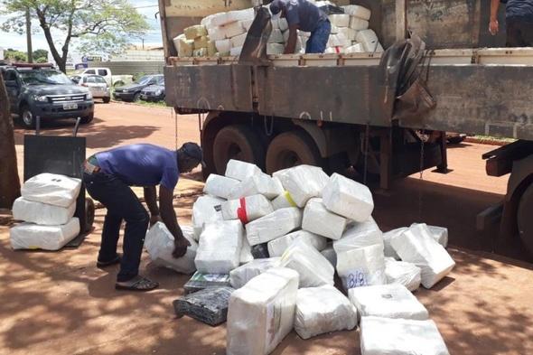 Polícia prende criminoso que traria 5.650 kg de maconha para Criciúma