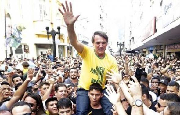 A facada em Bolsonaro: o poder da informação