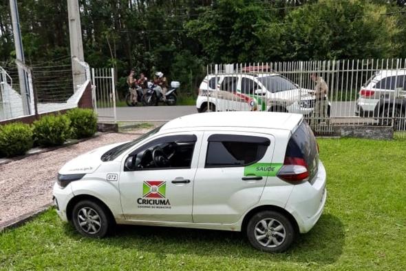 Carro da prefeitura de Criciúma é utilizado em assalto a empresa
